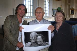 En av bilderna i den nytagna bildserien som fotografen Håkan Olsén visar upp är en på Sixten Jernberg och hans fru Kerstin. Foto:Sören Haga
