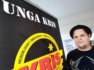 Jyrkki Mämmelä väcker liv i Unga Kris i Bollnäs. Inom kort väljs han till ny ordförande i föreningen.