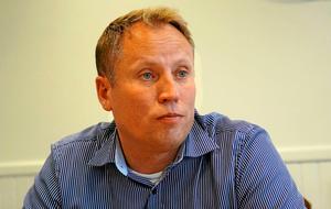 Tunabyggens vd Jörgen Olsson är medveten om problemen med trångboddhet på Tjärna ängar.