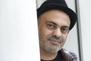 I dag är Hassan Blasim djupt rotad i Finland och Helsingfors. Han har gjort kortfilmer för Yle och skriver nu på en pjäs för en finsk teater.