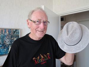 Hatten som gav Rune Olsson segern i årets hattparad var ett billigt spontaninköp på Åhléns. Chansningen räckte hela vägen och priset blev en kryssning till Helsingfors för fyra personer.