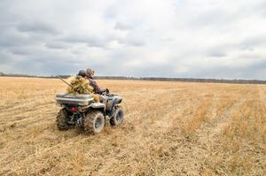 Fyrhjulingen är ett populärt hjälpmedel för markägare och jaktlag som ska ta sig fram över otillgänglig  terräng.                                                                                                                                                                               Foto: Shutterstock