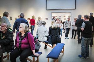 Många besökte Ljusdals museum under lördagens vernissage.