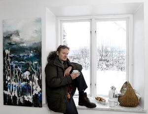 Jan Ramstedt ställer ut hos Galleri Stadsbacken. Här med