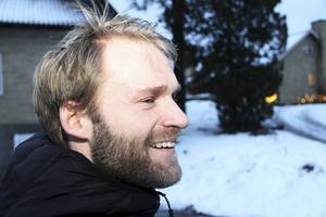 Hemkär och med ett starkt klubbhjärta – två ingredienser som har hållit Robert Dammbro kvar i Söderhamn.