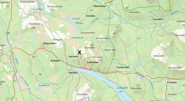 Det röda krysset markerar den ungefärliga platsen där övre Uppvallen ligger. Bilden är ett montage.