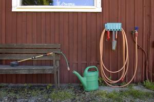 Det kommer att bli en nederbördsfattig sommar, konstaterar SMHI. Nu har bevattningsförbud införts på flera platser i Hedemora kommun.
