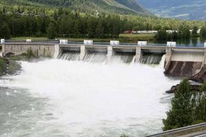 De fyra orörda Norrlandsälvarna hotas av dammbyggen om klimatmodellerna med 30-35 procents mer nederbörd vid sekelskiftet besannas.