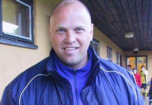 Pelle Johansson blir kvar i Sala FF. Foto: Hans Godén