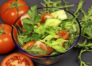 Salladsblandningar är vanliga och ofta väldigt fräscha. Tomater ingår i de flesta.