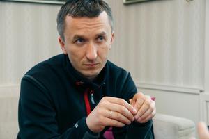 Grzegorz Walasek på plats i Hallstavik.
