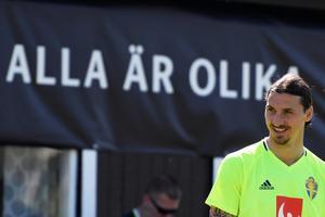 Zlatan är något av det svenskaste vi har. Foto: Janerik Henriksson / TT
