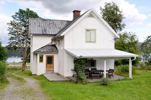 Det gamla huset var i dåligt skick. Marie och Mårten Behm valde att riva det.