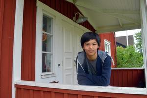 15-årige Nilo Jiang slutar grundskolan med toppbetyg och flera andra utmärkelser.