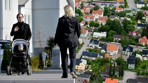 Insändarskribenten tycker att Sundsvallsborna ska leva upp till utmärkelsen Sveriges vackraste stad och heja lite mer på varandra. (Personerna på bilden har ingen koppling till texten). Bilder: Pontus Lundahl/TT / Jan Olby