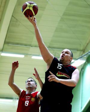 Jimmy Norin lade i de första två poängen för KFUM Kometerna i finalen mot Uppsala.