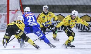 Robin Redin och Ilari Moisala har båda optionsår kvar på sina kontrakt – Magnus Fryklund har skrivit på ett färskt tvåårskontrakt. Så ser läget ut just nu i Brobergs försvarslinje.