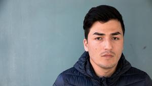 Sarwar Gholami har väntat i två och ett halvt år på ett besked om han får stanna i Sverige. Livsgnistan har försvunnit, säger han.