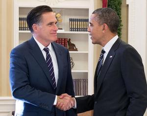 Mitt Romney gratulerar Barack Obama till valvinsten i presidentvalet 2012. Foto: Pete Souza/Vita huset