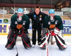 Thomas Melin här med  Lars Johansson (vänster) och Juha Pitkämäki (höger) Foto: Arkiv
