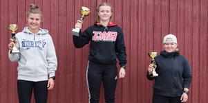 I kvinnoklassen kom Emelie Andersson, Varbergs MK, trea. Mockfjärd MKs Julia Svan kom tvåa och Matilda Huss, Uppsala MK vann. Huss vann även priset för bästa tjej.