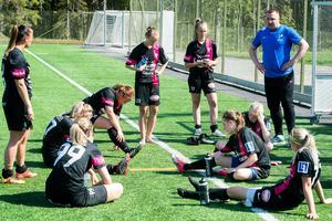 IFK Timrå deppar efter förlusten mot Heffnersklubban.