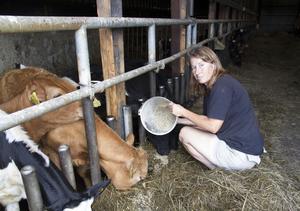 Elisabeth Thorén är en av alla lantbrukare som hjälpt till med brandbekämpningen.