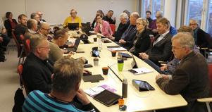 Alla förtroendevalda politiker i Lindeberg är överens om att relationen med näringslivet behöver utvecklas, men hur är de mindre eniga om.