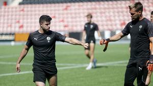 Yaser Kasim och Oscar Jansson under söndagsträningen inför matchen mot Helsingborg. Kasim är inte spelklar och kommer inte spela matchen.