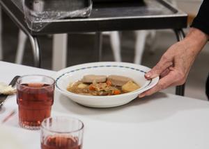 Kålsoppa med korv stod på menyn, när NP träffade Balders matgäster.