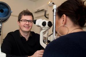 Idag heter Patrick Pierre i efternamn. Han blev optiker och driver Glasögoncentralen i Västanfors.