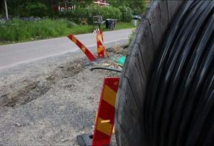 En bild från Örjesbovägen i Grycksbo där fiberleverantören IP-Only stoppat markarbetet.