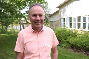 Dag Hellström är skådespelare och lärare för eleverna på estetiska programmet, inriktning teater. Han är stolt över treornas framgångar.