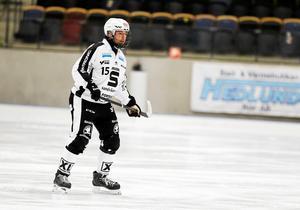 Linus Pettersson höjer sig alltid mot internationellt motstånd, enligt förbundskapten Svenne Olsson.