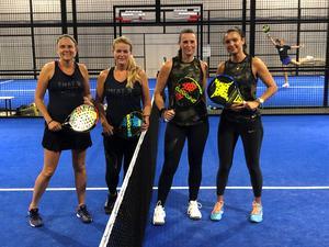 Finalparen i damernas B-klass, från vänster: Mona Sundin och Linda Friberg, Kristin Ekdahl och Diana Velevska. Kristin och Diana vann.