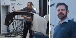Martin Yngvesson är en av fyra lackerare på det nya skadecentret. Anders Holmgren är skadechef på Rolf Ericson Bil i Falun och Borlänge. Foto: Kenneth Westerlund