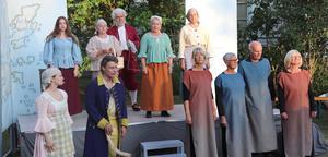 Teatern Roslagen brinner som har framförts i sommar är ett bevis på fungerande samarbete mellan Björkö teater, Norrtälje museer med flera, skriver Agneta Hedlundh, Bengt Ericsson, Göte Vaara och Janeth Tjörnhammar.