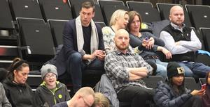 """Erik Westin är ordförande i Jämtland Basket och han säger att beskedet """"är en katastrof"""" för klubben. Orsaken är att det kommande slutspelet utgör 15-20 procent av klubbens omsättning under året. """"I så fall får vl bara kostnader och inga intäkter. Det går inte"""" säger Westin."""