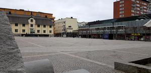 Centrumdöden blir allt mer märkbar i Södertälje, menar debattörerna.