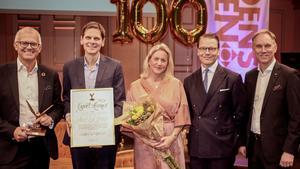 Pristagare från Nord-Lock tillsammans med prins Daniel. Vd Fredrik Mueller till vänster, tog emot exportpriset. Foto: Pressbild