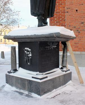 Statyn strax efter att olyckan inträffade.