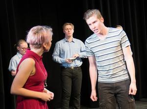 Pauline Eriksson, Ville Hulling med flera i pjäsen