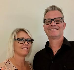 Pia och Niklas Hoxell representerar Västmanland i tävlingen, med sitt företag Musikevent.