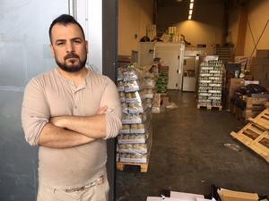 Dilar Ahmed Wahab tror att tjuvarna tog sig ut genom porten för varutransporter.