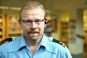 Johan Hed, kommunpolis, fanns med på mötet och svarade på publikens frågor.