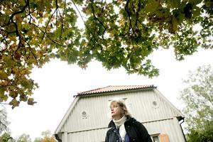 Kunnig. Stadsantikvarie Eva Fransson guidar i området.