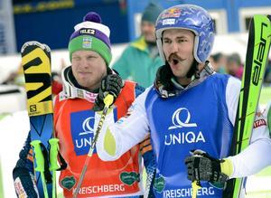 Filip Flisar fick skrika ut sin glädje efter VM-guldet i skicross. Victor Öhling Norberg var bara nära ögat.