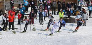 En tätklunga på fem åkare gjorde upp om segern i herrklassen. I spurten var Oskar Svensson vassast och passerade Johan Häggström precis innan mållinjen.