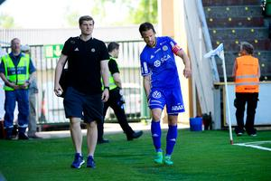 Linus Hallenius, GIF Sundsvall, skadade låret mot IFK Göteborg på NP3 Arena.