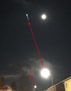 Reflektionerna i fönsterrutan och ljuskällorna UFO-Sverige tror orsakade dem.